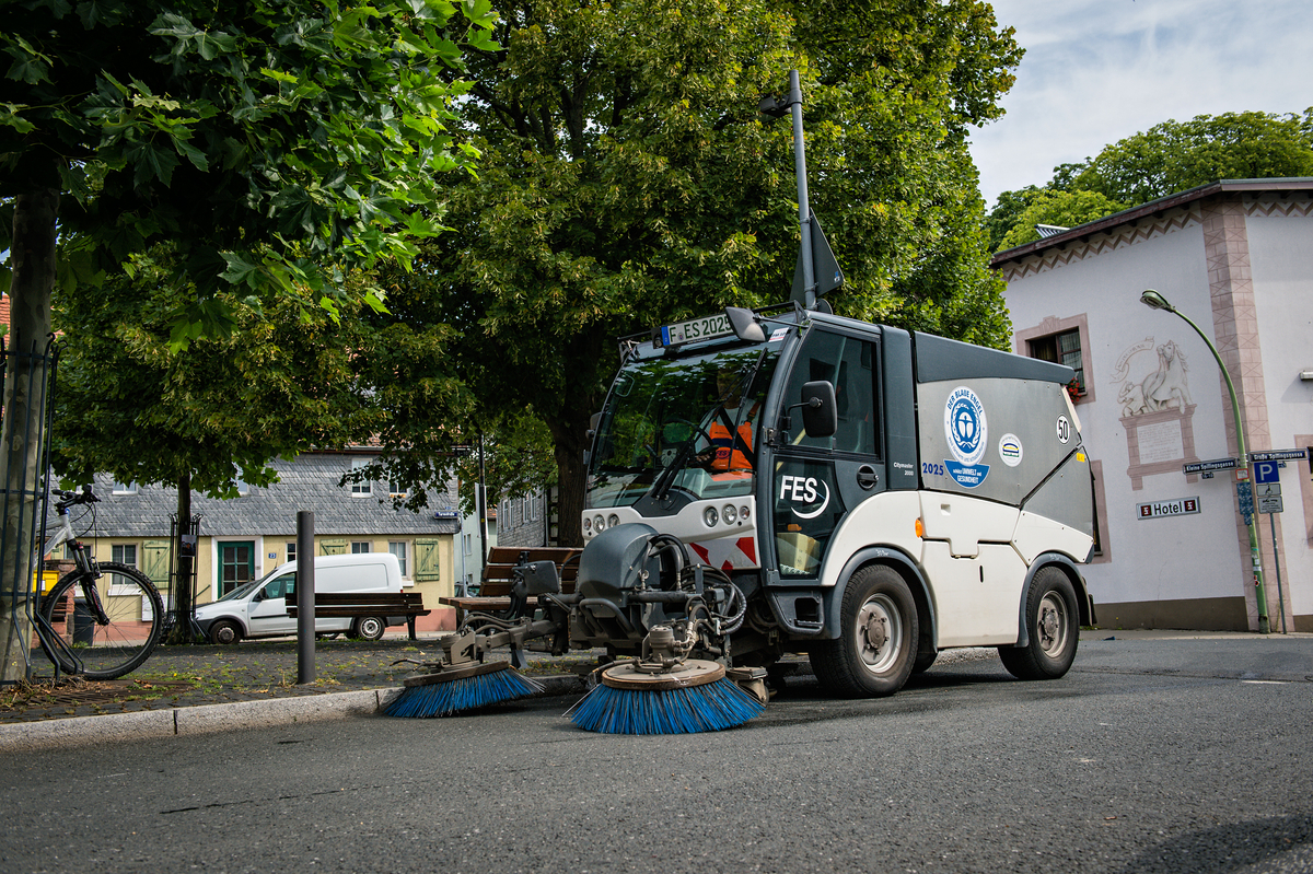 Stadtreinigung Kleinkehrmaschine